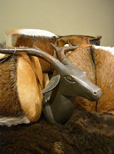 Hert hout grijs