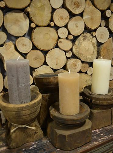 Lage houten kandelaars