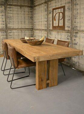 Eettafel oud hout