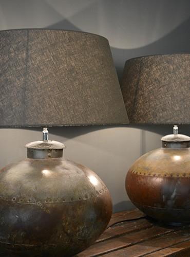 Unieke tafellamp met landelijke uitstraling