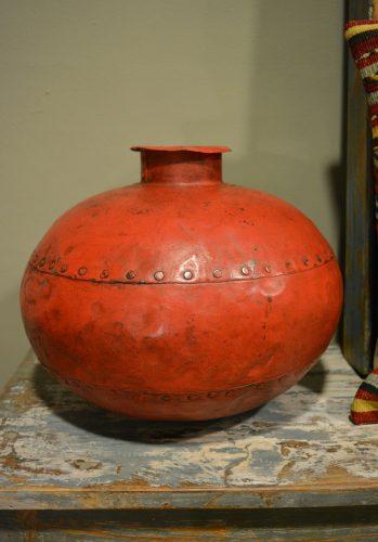 Rode, unieke waterpot