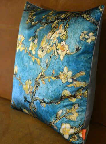 Blauw sierkussen van Moods - Pure Wood