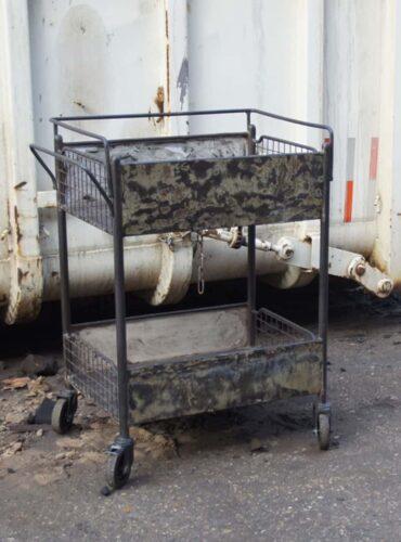 Metalen trolley
