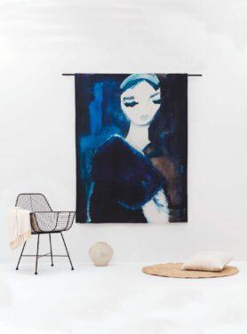 Lady in blue2