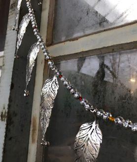 Hanger metalen blaadjes - India
