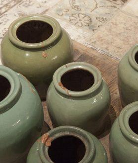 Oude pot uniek olijf groen