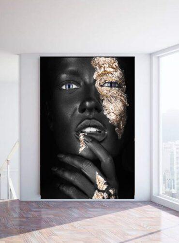 Alu art dark skinned girl fingers
