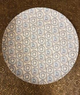 bord wit met blauwe print