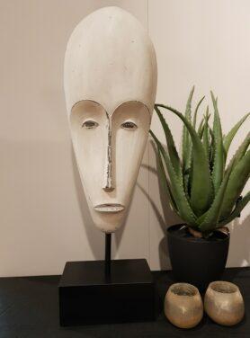 Masker-op-voet-wit