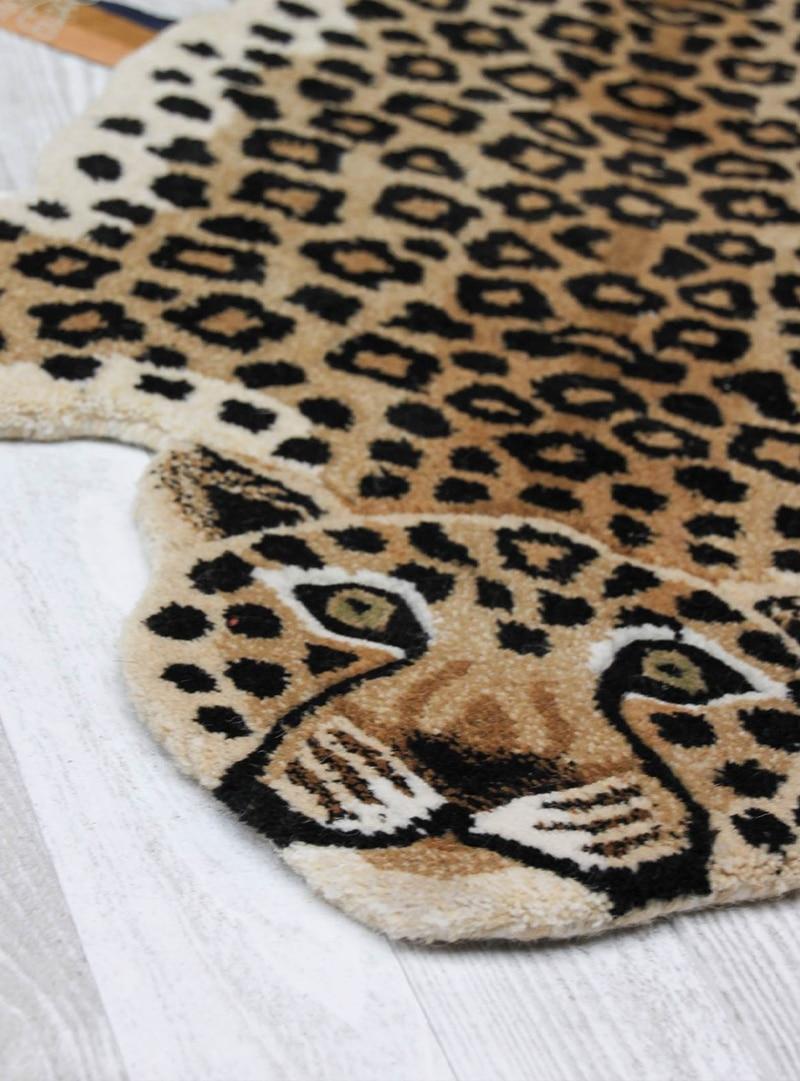 doing goods Loony leopard vloerkleed2