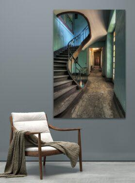 Alu art used stairs