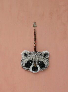 wandhanger-rocky-racoon