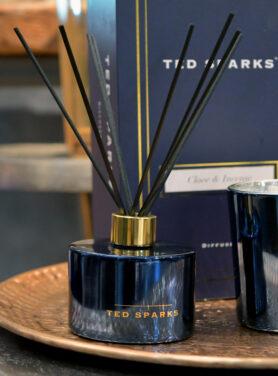 Ted Sparks Geurkaars Clove & Intense 3